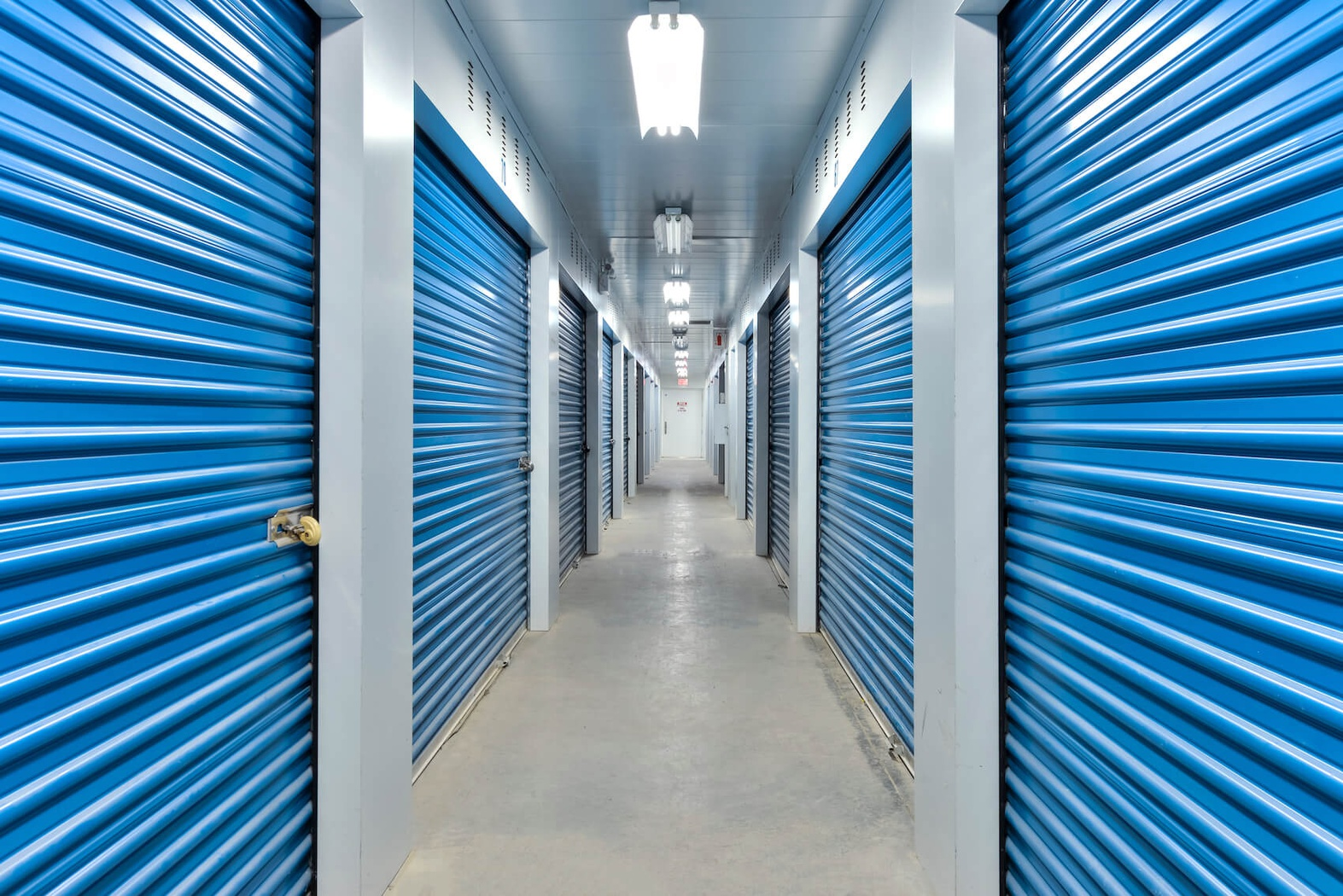 Rent Mississauga storage units at 1355 Aerowood Dr. We offer a wide-range of affordable self storage units and your first 4 weeks are free!