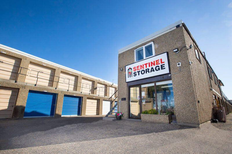 Rent Edmonton storage units at 6075 88th Street. We offer a wide-range of affordable self storage units and your first 4 weeks are free!