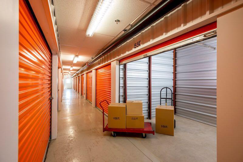 La succursale Access Storage – Lethbridge Nord, située au 2315, rue 36 Nord, a la solution d'entreposage qu'il vous faut. Réservez dès aujourd'hui!