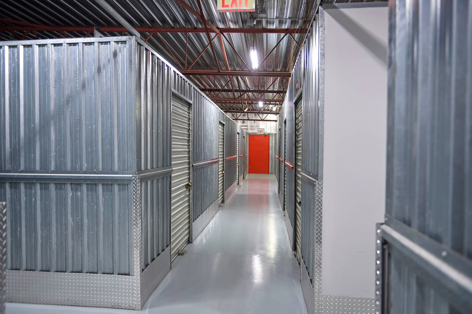 Rent Calgary storage units at 2135 Pegasus Rd NE. We offer a wide-range of affordable self storage units and your first 4 weeks are free!