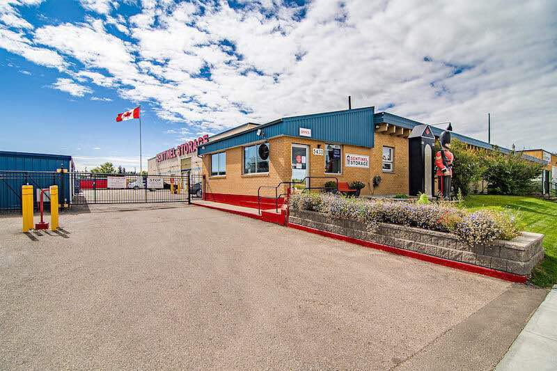 Rent Red Deer storage units at 5433 47 St. We offer a wide-range of affordable self storage units and your first 4 weeks are free!
